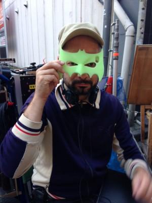 Theo Plakoudakis mit Maske