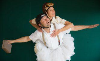 Theodor Plakoduakis und Sabrina Strehl spielen Anfall und Ente